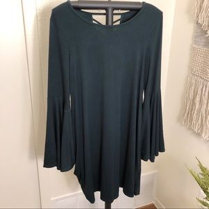 NWOT Cupio Dark Green / Blue Flair Sleeve Dress